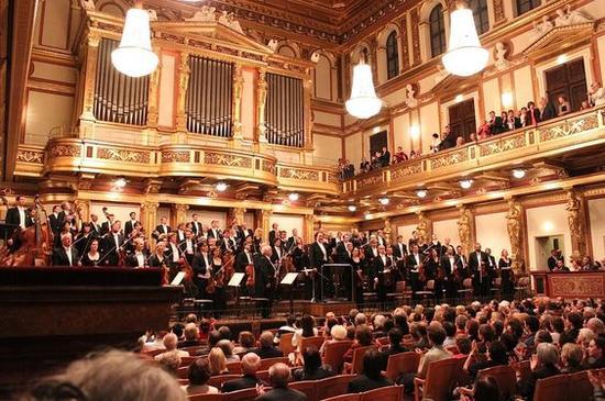 金色大厅音乐会 图片来源自PinterestAndreas Ostheimer