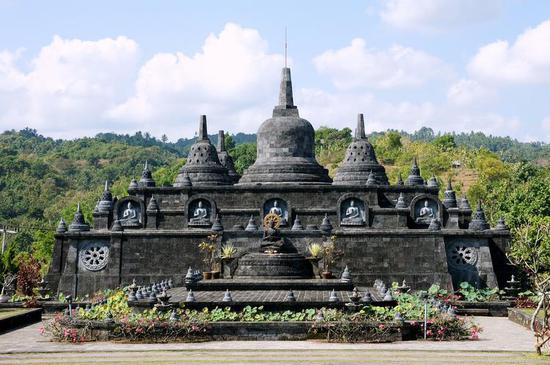 """""""游客质量""""下滑严重 巴厘岛考虑重新制定寺庙参观规定"""