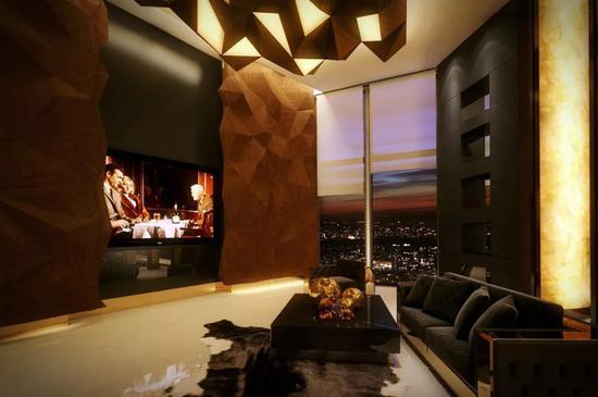最后是上面这张图片,来自TAO在莫斯科一个顶层公寓做的设计。
