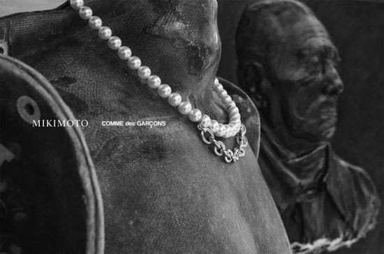 吴亦凡、王一博同款型男,珍珠加持造型少不了
