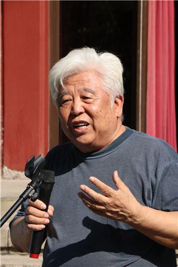 蒋兆和艺术研究会会长、著名画家马振声