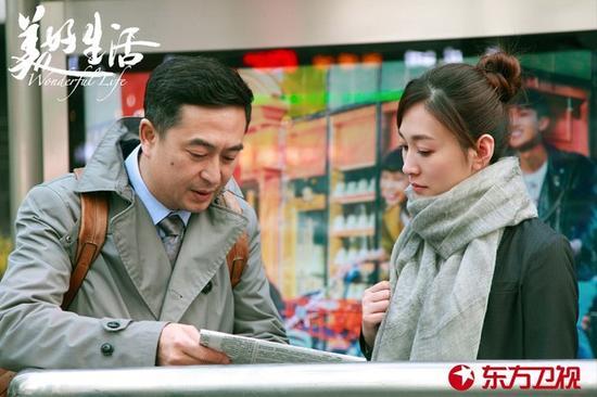 42岁李小冉白到逆天 不愧是站在美白食物链顶端的女人