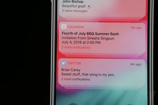 和 Android P 上一样的手机使用报告也出现在了 iOS 12 上。