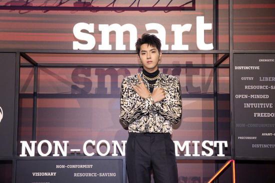 吴亦凡正式升级成为smart全球品牌代言人