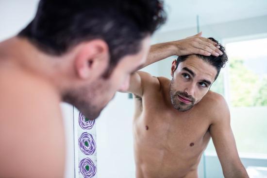第二:怎么样防止头发睡觉的时候被压变形?