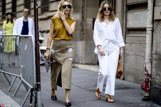 时髦好穿的人字拖 让超模都甘愿放下高跟鞋