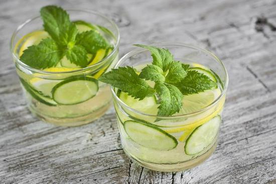黃瓜檸檬汽水 圖片來自Home & Plate