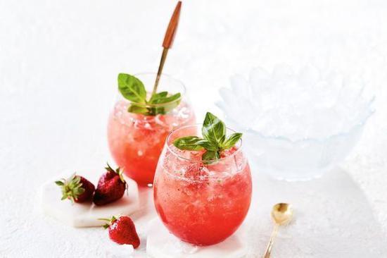 草莓冰飲 圖片來自Taste