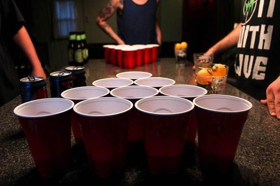 美帝最流行的酒桌游戏了解下