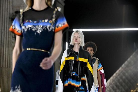 LV 女装创意总监 Nicolas Ghesquière 将推出个人品牌