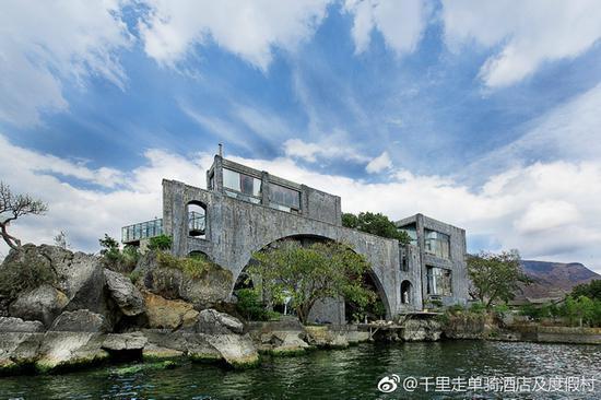 千里走单骑·雪山庄园 图片源自酒店官方微博