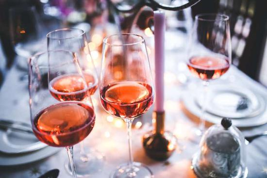 酿酒过程揭秘之桃红葡萄酒诞生记