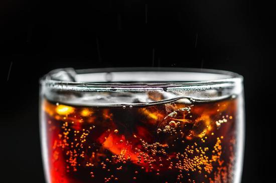 用可乐去除铁锈 图片源自pexels