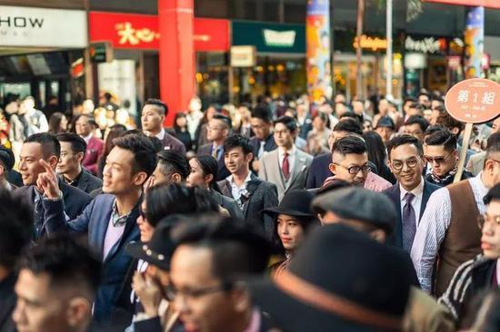在华语圈的范围内,参加人数相当可观了。