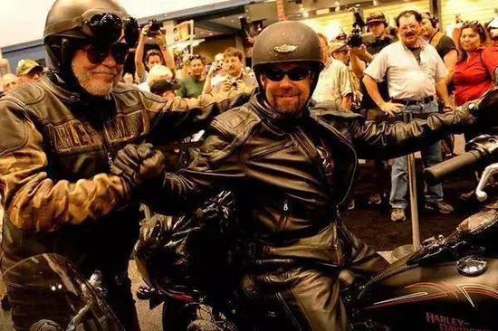 知否VOL.59:如何玩转摩托车?