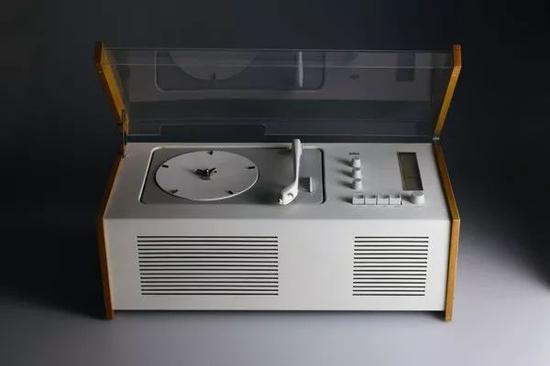 ▲博朗(Braun)SK4 record player, 1956