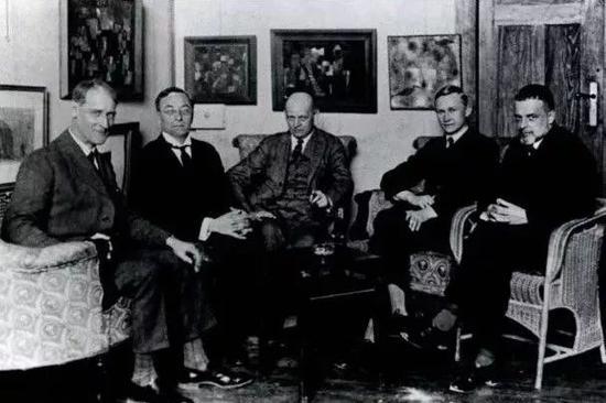 ▲从左往右:费宁格、康定斯基、施莱默、莫奇、克利