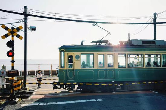 交通指南:从东京乘坐新干线至镰仓站,约1小时