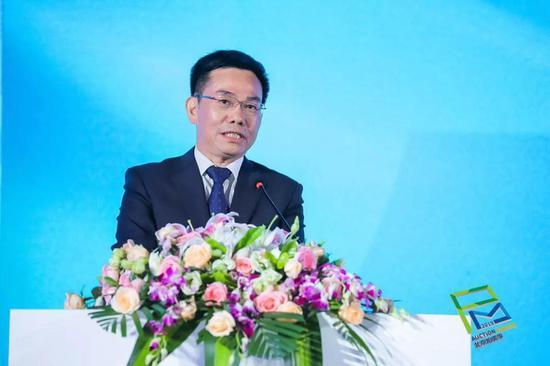 中国拍卖行业协会会长 黄小坚
