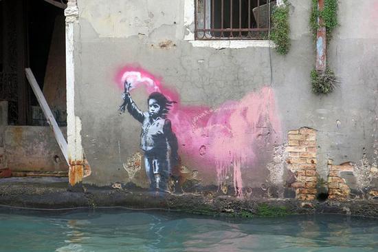班克斯在威尼斯留下的最新涂鸦