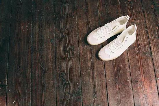 """这7双小众帆布鞋,让你告别""""烂大街"""""""