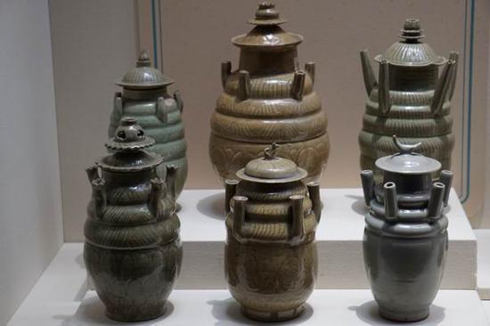 北宋 龙泉窑青釉五管瓶