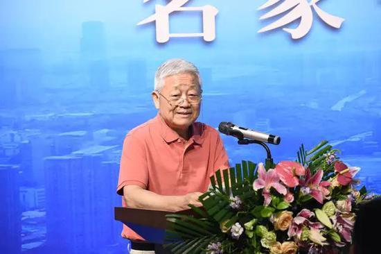 中国书法家协会顾问胡抗美