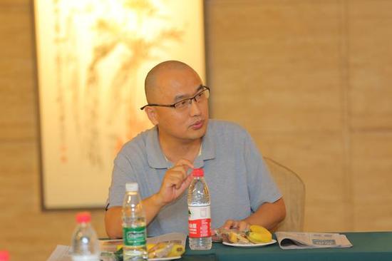 知名艺术评论家、中国艺术研究院美术研究所陈文璟主持此次研讨会
