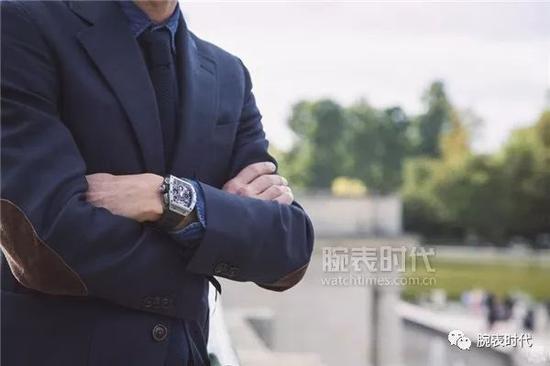 为何戴表的男人,可以拥有如此多的优点腕表型男搭配