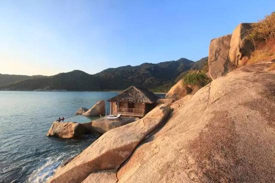 ▲面朝大海,背靠山岩的山岩泳池别墅(Rock Pool Villa)