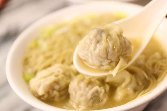 清汤出芙蓉(云吞),天然原味。图/图虫·创意