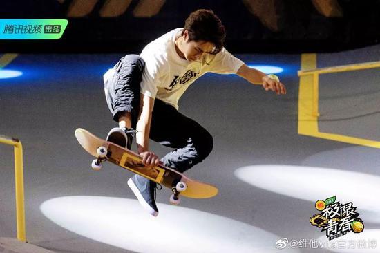 图源微博@王一博/@腾讯视频极限青春