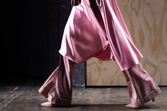 纽约时装周日程表发布 鉴于疫情每场时装秀将限50人参加
