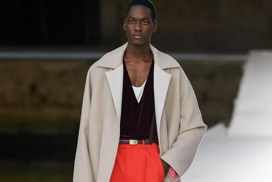 高定时装周上男装涌现,是否新的市场信号?