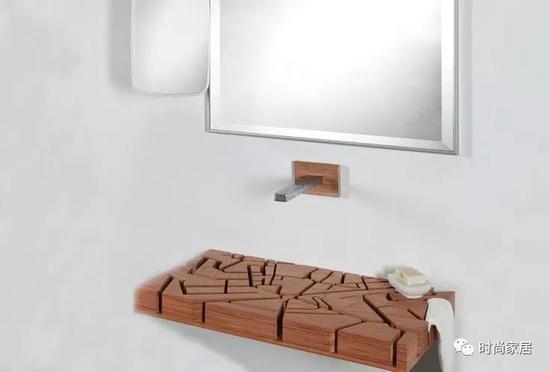 侵蚀地形勾勒的面盆脱离常规圆形或四边形,为洗手台制造更多看点。