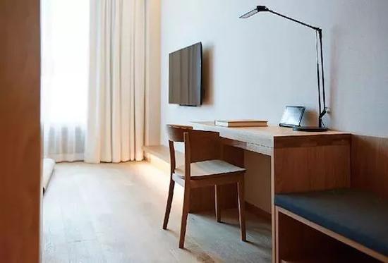 深泽直人设计的广岛椅