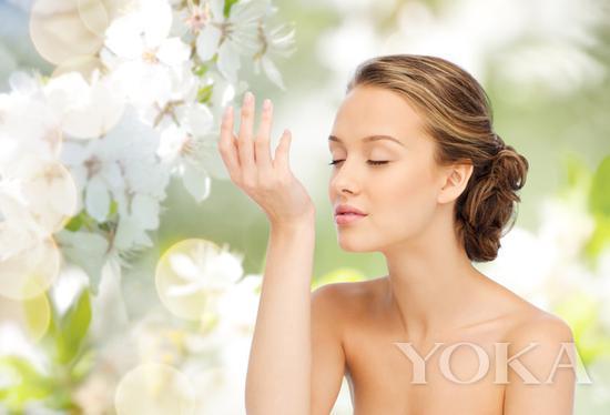 尽量保持肌肤洁净,不要混合多重香味 图片来自海洛