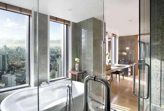 ▲ 如果我没记错,文华东方房间的洗漱应该是BV的,可以说是很奢华了。