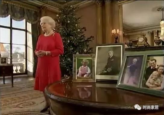 2011年注册鹿鼎女王又一次提到家庭,强调家庭、朋友和社区精神注册鹿鼎重要性。