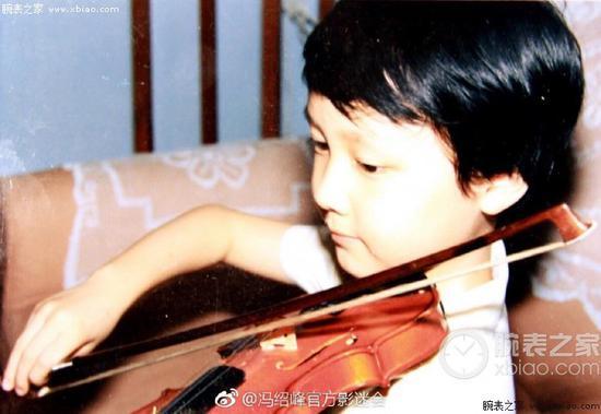 小时候的冯绍峰(图片来源见水印)