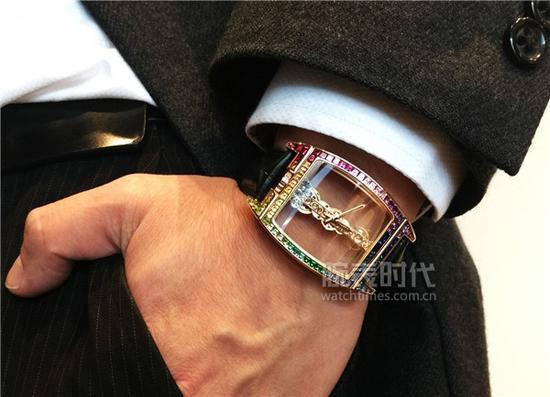 昆仑金桥系列彩虹腕表