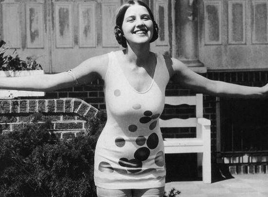 1926年穿波点泳衣的美国小姐