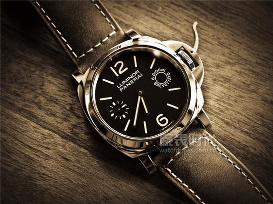沛纳海LUMINOR系列PAM00590腕表,售价,48,300元人民币