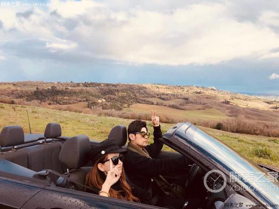 和老婆开车兜风
