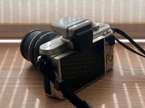 时尚生活达人们都用哪款相机记录生活美好瞬间