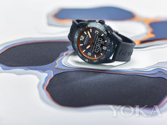 单品推荐:Alpina AlpinerX户外智能腕表 8300元(图片来源于品牌)