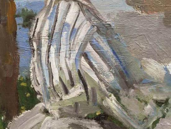 卡米尔蓝白线条相间的上衣细节,河水的蓝色穿越其间。