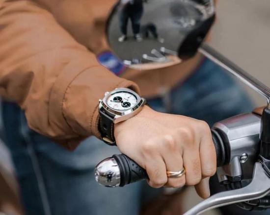 欧米茄Omega海马系列 210.30.42.20.01.001 机械男表