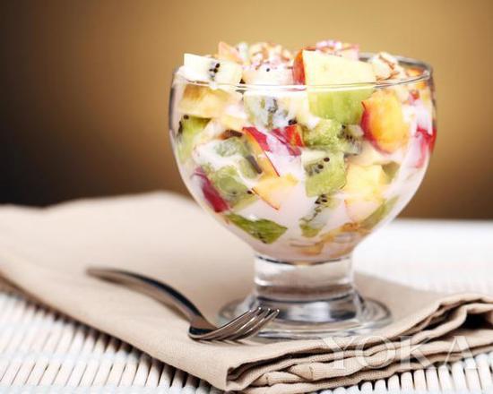 酸奶水果沙拉 图片来自pinester
