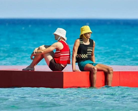 看完怦然心动20岁 想去海岛谈个恋爱......